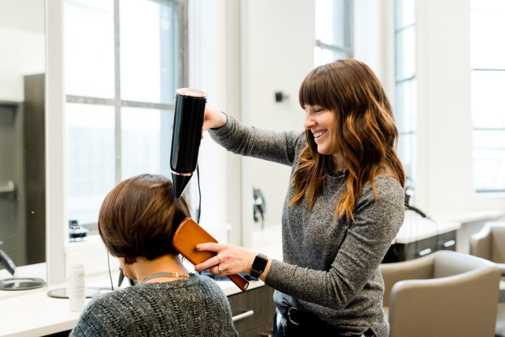 How to Determine If a Cosmetology School is Right for You